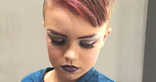 8 year old boy asks mom for some drag makeup tips her response