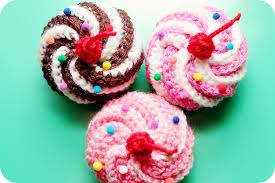 Crochet Cupcake Pattern Extraordinary Video Tutorial Free Pattern Swirly Cupcake Hair Clips Twinkie