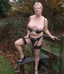 Granny Dogging Uk Mature Sex Outdoors Find A Uk Granny Dating Hot.