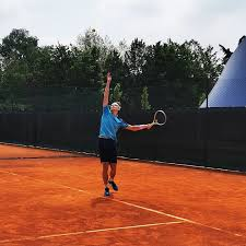 Oltrepò Tennis Academy - Oggi è la giornata mondiale dei mancini. 🎾 Nel  mondo del tennis ci sono molti campioni mancini.. Ve ne viene in mente  qualcuno? . 🇬🇧 . Today is