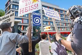 Der Postillon Schluss Mit Der Hitze Wütende Proteste Vor