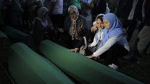Dinmeyen acı Srebrenitsa katliamı üzerinden 24 yıl geçti
