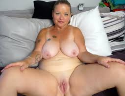 Mature pussy movie clips