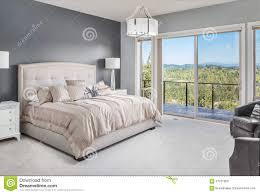 Schönes Schlafzimmer Im Neuen Haus Stockbild Bild Von Innen Möbel