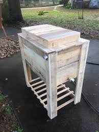 how to build a wooden pallet cooler