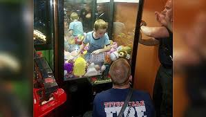 Child In Vending Machine Best Give Me A Toy Florida Boy Gets Trapped In Vending Machine The
