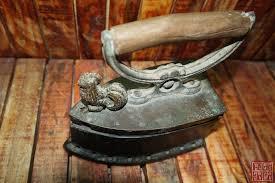 Nhờ thẩm định - Bàn Ủi Con Gà , Vì sao được tìm kiếm và giá trị thật sự của  nó .