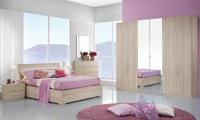 Pareti lilla camera da letto foto ~ idee di design nella vostra casa