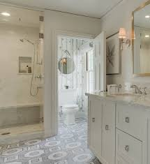 Wallpaper for Bathrooms Traditional bathroom Farrow & Ball