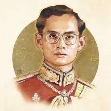 Bhumibol Adulyadej Former King of Thailand  พระบาทสมเด็จพระปรมินทรมหาภูมิพลอดุลยเดช (ในหลวงรัชกาลที่๙) #KingBhumibol  #ขอเป็นข้ารองพระบาท…   ภาพหายาก, ภาพวาด, ราชวงศ์