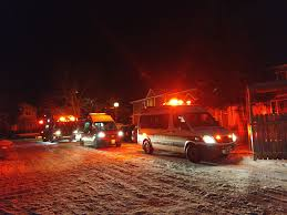 Park Lighting Calgary One Woman In Hospital After Fire In Applewood Park 660 News