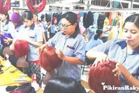 Loker purbalingga pabrik wig : Industri Wig Dan Bulu Mata Palsu Di Purbalingga Terancam Produk Tiongkok Pikiran Rakyat Com