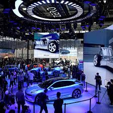 Since 2009, annual production of automobiles in china exceeds both that of the european union and that of the united states and japan combined. Crowds At The Beijing Auto Show Signal China S Spenders Are Back The New York Times