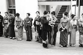 memoirs of a geisha background actors chasing light memoirs of a geisha leica mp 0 58 35mm summicron kodak tri x