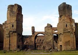 Архитектурные достижения Древнего Рима В Риме их насчитывалось великое множество Они служили местом отдыха и развлечений их посещение входило в повседневную жизнь римлян