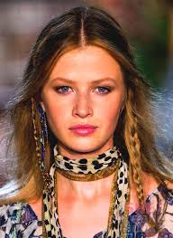 side braid hairstyles for blue eyes