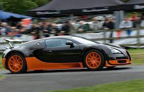 At the same time, the wing and spoiler deploy. How Many Cars Does The Average Bugatti Owner Have