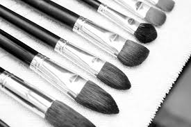 the basic rule of thumb is to clean your makeup brushes once a week a trivia question for you how often do you think i have an hour during my week