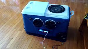 speakers in box. speakers in box e