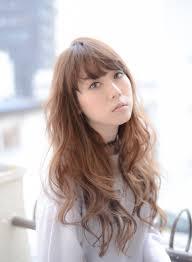 Livingu You古塩 功さんのヘアスタイル ロングウェーブ冬髪アッシュ