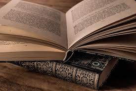 Los libros, maravillosos mundos que debemos saber cuidar ¿Cómo cuidar los  libros? - REVISTA TODO LO CHIC