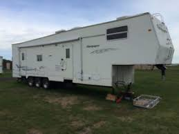 2004 5th wheel toy hauler 36 feet