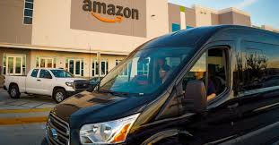 How packages get from Amazon's <b>warehouse</b> to your front door