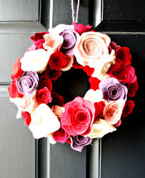 valentine wreaths for your front doorLovely Valentine Front Door Accessories Decorating Ideas
