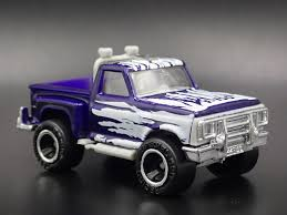 ford f-150 flareside pickup truck rare 1:64 scale diorama diecast