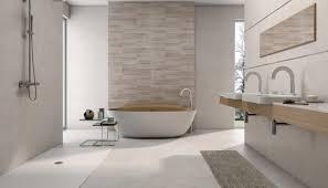 Badezimmer Fliesen mit bunten Design & Größe und Kleines ...