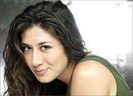Virginia Raffaele. Irriverente, simpatica e anche affascinante. Lei è Virginia Raffaele, il personaggio televisivo del momento - virginia-raffaele-800x540