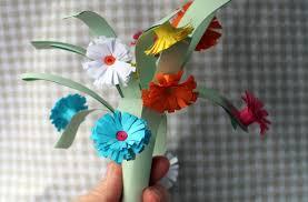 Paper Flower Bouquet In Vase How To Make A Paper Flower Bouquet Thriftyfun