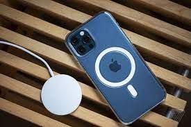 Trên tay bộ sạc MagSafe cho iPhone 12 series - Fptshop.com.vn