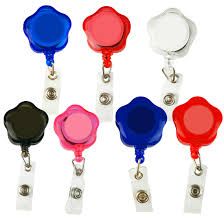 Creative Name Badge Design Us 1 17 42 Off Creative Design Cute Flower Shape Id Holder Name Tag Card Key Badge Holder Retractable Round Solid Translucent Id Holder In Badge