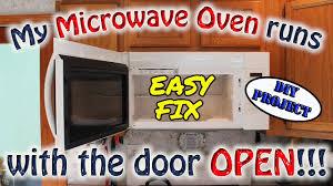 microwave oven runs with door open