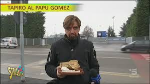 Tapiro d'oro a Papu Gomez (e poi distrutto) - Striscia la notizia Video
