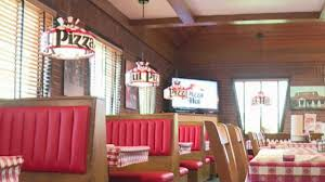 Pizza Hut Light Fixture For Sale Warren Pizza Hut Goes Retro With Restaurant Remodel Wkbn Com
