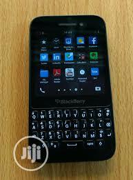 Archive: BlackBerry Q5 8 GB Black in ...