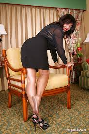 Seamed nylons on mature
