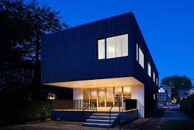 Modern Japanese Houses With Traditional Sculpture In Facade Of ...