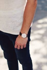 london embankment spring lookbook part 1 daniel wellington the daniel wellington watch its interchangeable straps speaks for a classic and timeless design suitable for every occasion