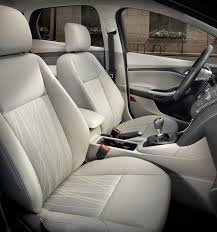 se interior with standard medium light stone cloth seats
