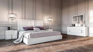 Nicla Italian Modern White Bedroom Set