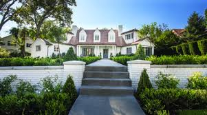 style girlfriend stylish home. So What If The Kitchen Was Cramped And Parts Of Floor Plan Were As Compartmentalized A Maze? Built In 1940, Single-level Ranch House Located Style Girlfriend Stylish Home L