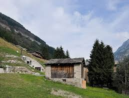 Download Traditional Swiss Mountain House Stock Photo - Image: 49092374