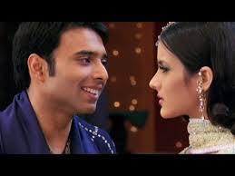 Mere Yaar Ki Shaadi Hai - Title Song   Bollywood music, Favorite movies,  Songs