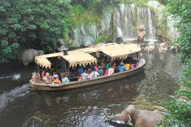 Jul 18, 2021 · the redesigned jungle cruise, which now features a colorful scene in which monkeys wrestle over a christmas sweater and spin on a victrola, is now as much a reflection of 2021 as it is 1955. Nach Kritik Andert Disney Die Jungle Cruise Attraktionen