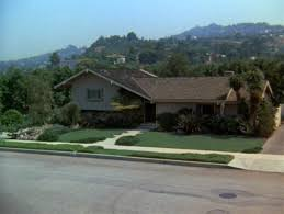 Where Is The Brady Bunch House Secrets Behind This Beloved Home - Brady bunch house interior pictures