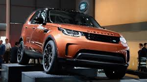 2017 Land Rover Discovery 5 debuts with four-cylinder - Chasing Cars