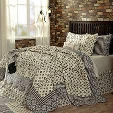 Elysee 100 Cotton King Quilt Black/gray/cream Fleur De Lis Symbol ... & Elysee 100% Cotton King 3 Pc Quilt Set with Oversized Shams Fleur de lis  Symbol Adamdwight.com